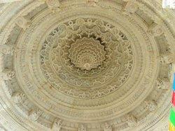 Кумбхария, купол